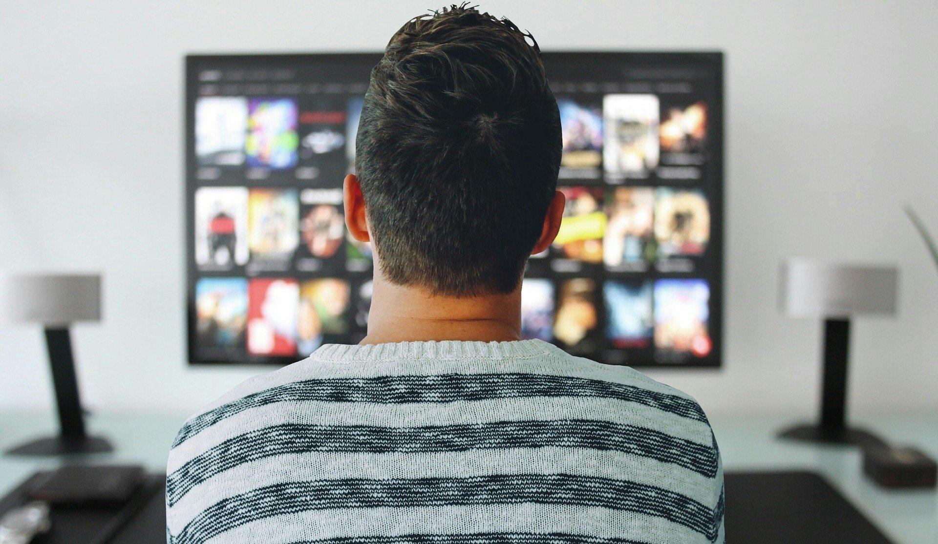 3 horas, 29 minutos e seis segundos em frente à TV
