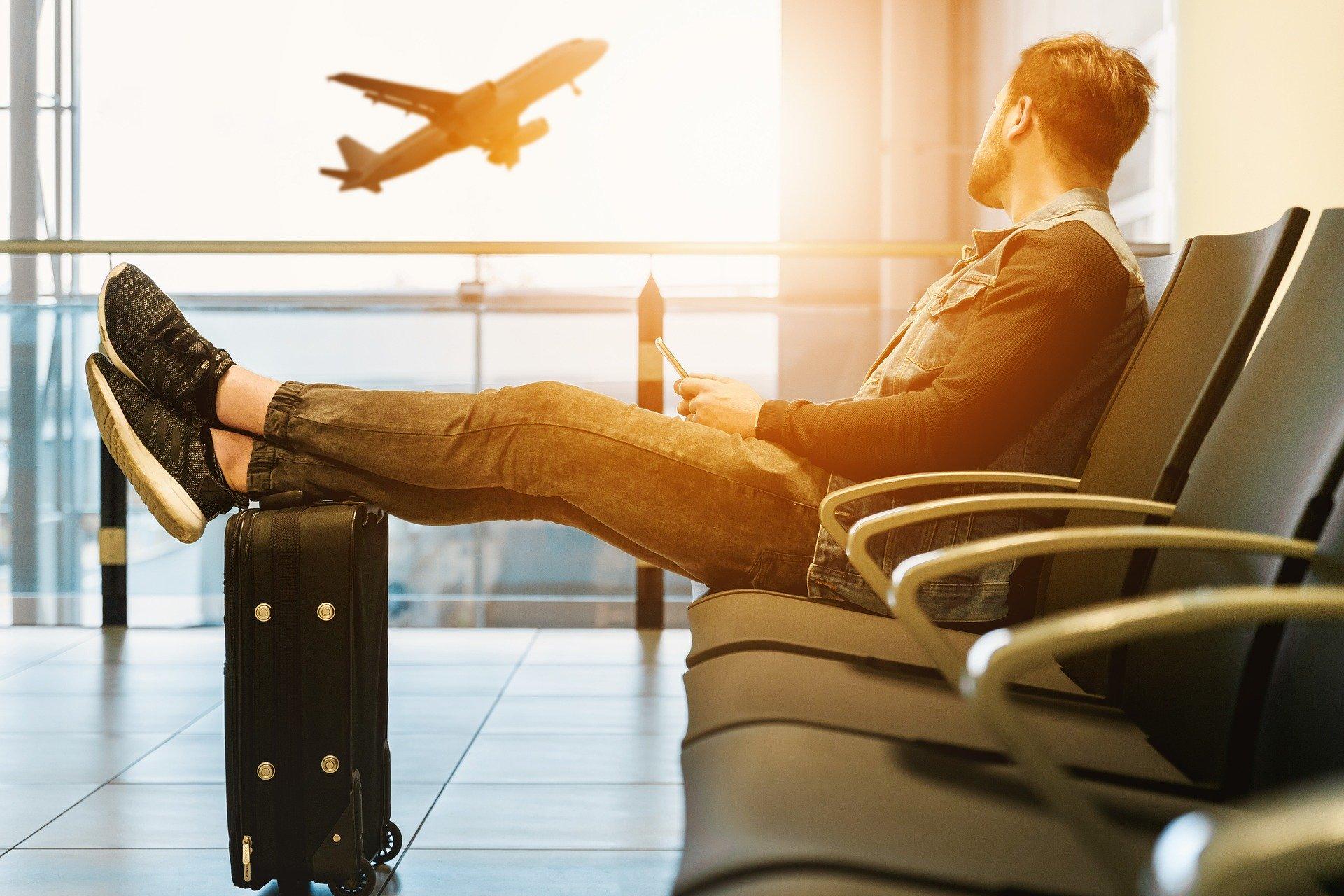 Estudo: Cortar em tudo… menos em viagens