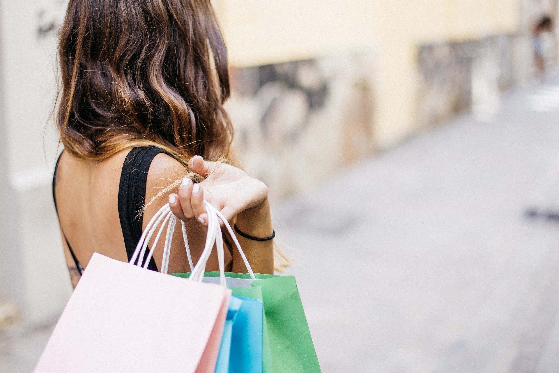 Portugueses entre os que mais pesquisam na Web e depois compram na loja