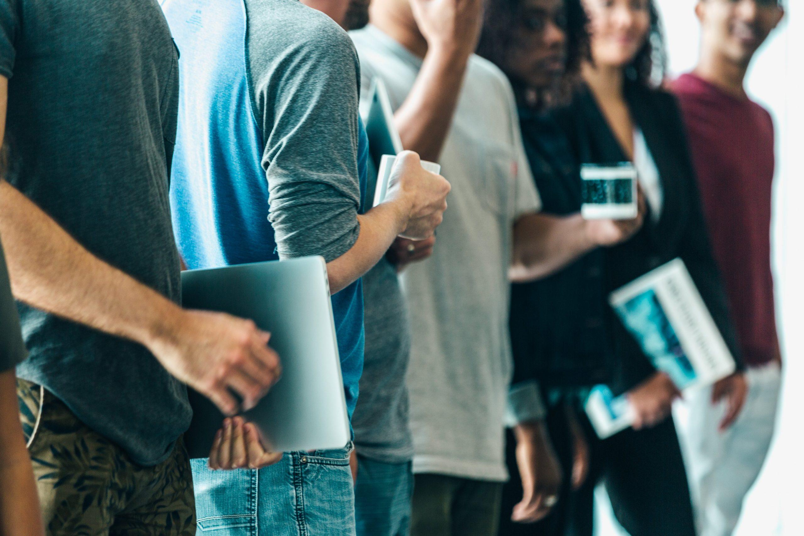 Jovens adultos criam novas regras na relação com as marcas